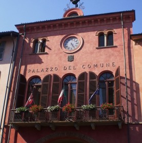 Alba Town Hall 277x280 Alba: A Classic Regional Piemonte town   Part 1